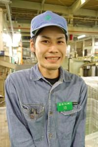 泊映助さん(26)