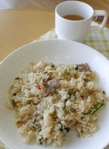 ねぎ塩カルビ炒飯(スープ付き)400円