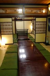 襖で仕切れる1階奥の座敷