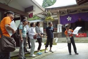 日石寺の境内や周辺を散策
