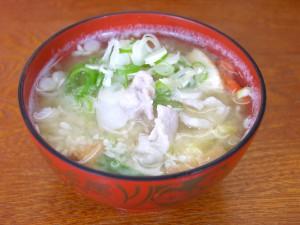 「日本海みそ」で作られた具だくさんの豚汁