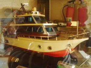 船や消化器の形のライター