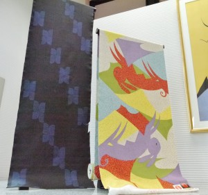 左が大島紬、右が京友禅の長襦袢