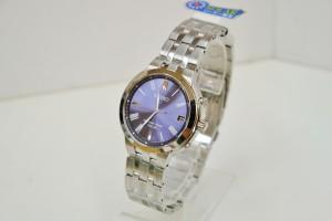 SEIKO電波腕時計(35,000円税別)