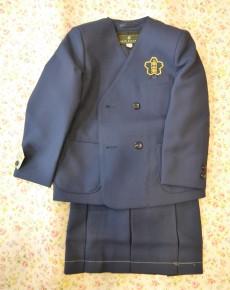 小学校女児の制服