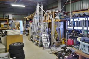 資材や作業道具の保管スペース