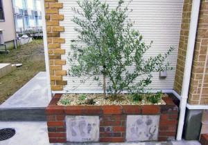 記念樹と家族の手型・足型