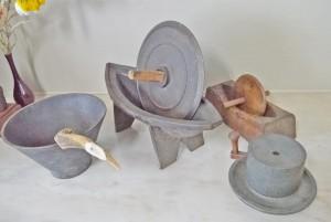 手作業していた時代の器具