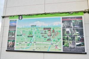 ファミリーマート上市女川店の外壁にある大岩案内図