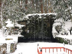 大岩山日石寺の境内にある六本滝