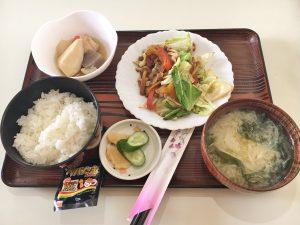 日替わりランチ(野菜炒めと里芋の煮物)