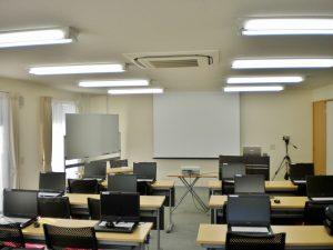 事務所奥の研修室