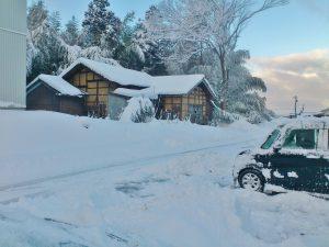 今朝の上市町湯崎野の雪景色(撮影:坂本氏)