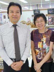 廣田さん(左)と母の保代さん