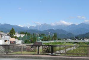 白竜橋から望む立山連峰