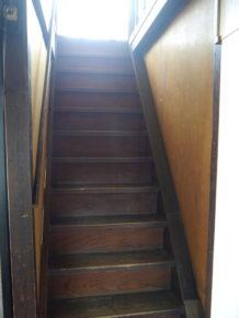 ゲストハウス松月の階段