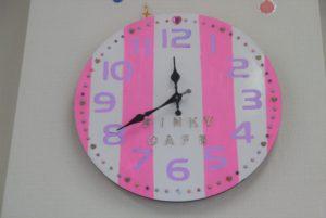 時計も材料を買ってきて手作り